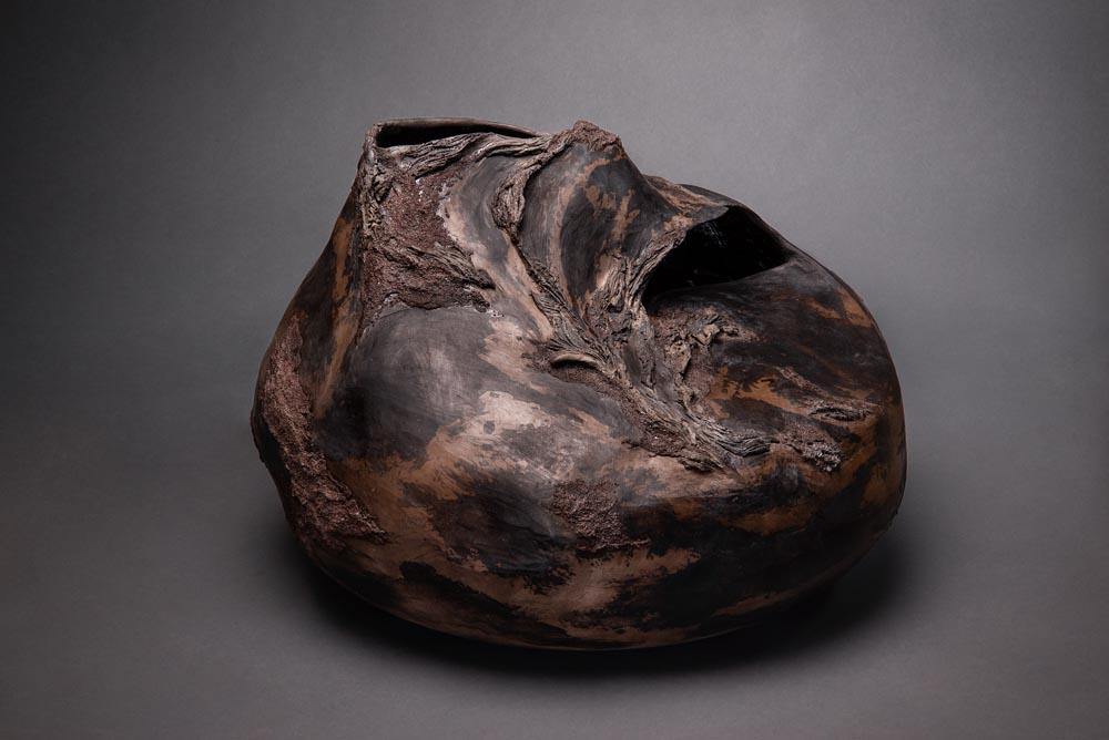 sculpture en céramique, apparence de bois fossilisé