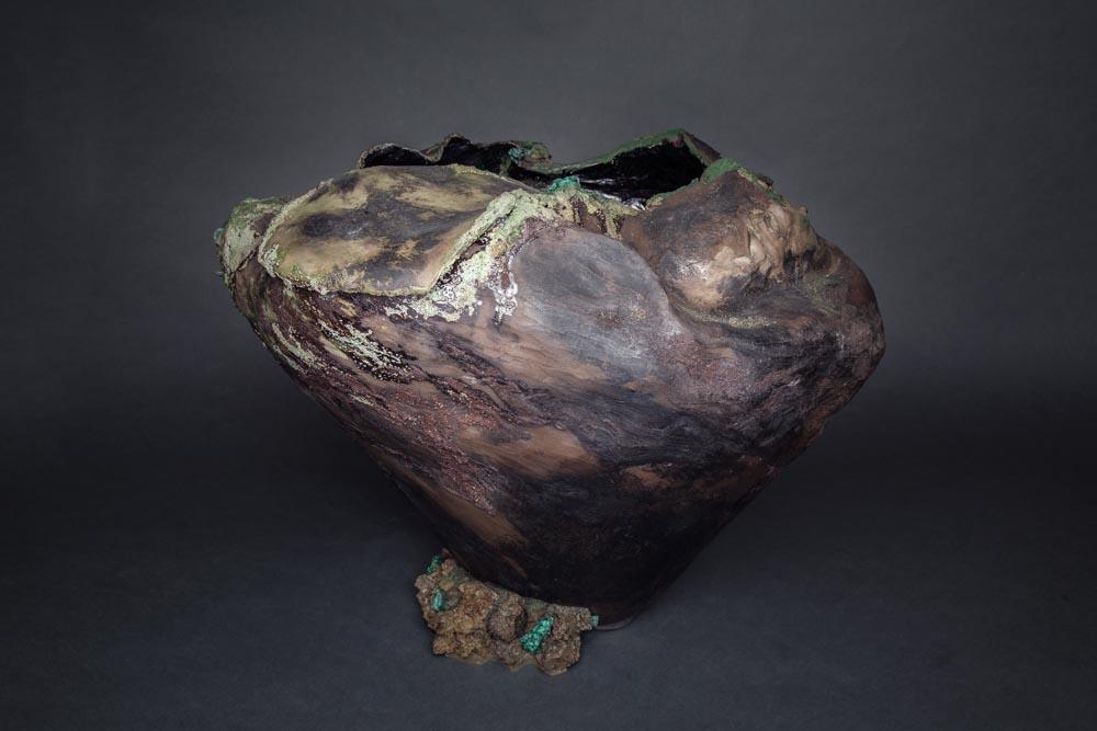 Sculputre en faïence Fréchet polie, aspect de bois fossilisé